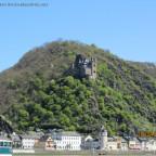 Burg Katz - Die Trutzburg Katz mit Blick auf die Loreley
